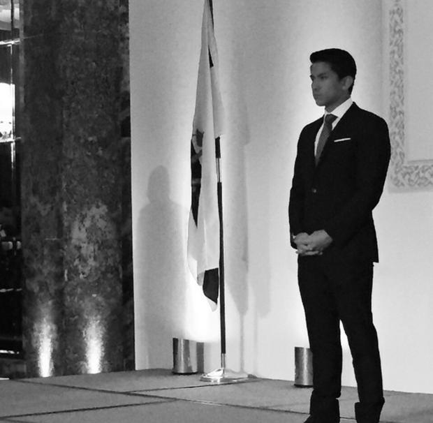 Hoàng tử soái ca đến từ Brunei: Đẹp trai, chuẩn 6 múi và tài sản 20 tỉ đô - Ảnh 15.