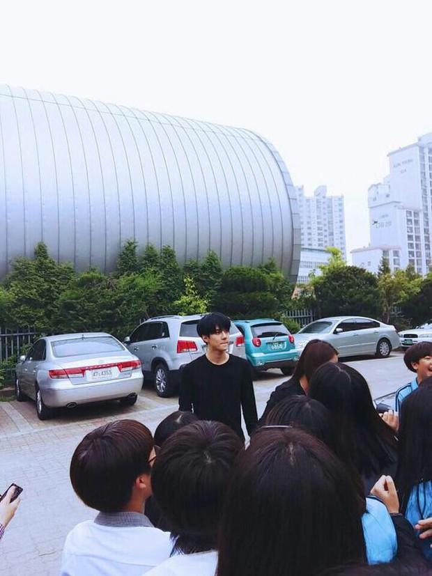 Khi không photoshop, nhan sắc của các thành viên EXO vẫn đẹp chuẩn không cần chỉnh - Ảnh 7.