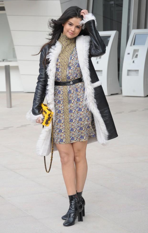 Sau tất cả, Selena Gomez cũng đã trở thành gương mặt của Louis Vuitton - Ảnh 9.