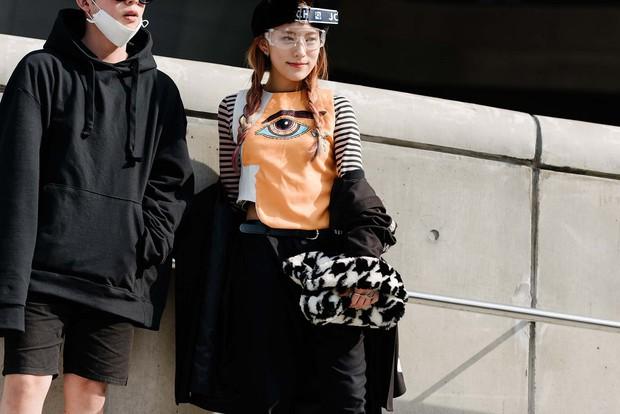 Mới qua 2 ngày Seoul Fashion Week, Kelbin đã lọt Top street style đẹp nhất của Vogue - Ảnh 25.