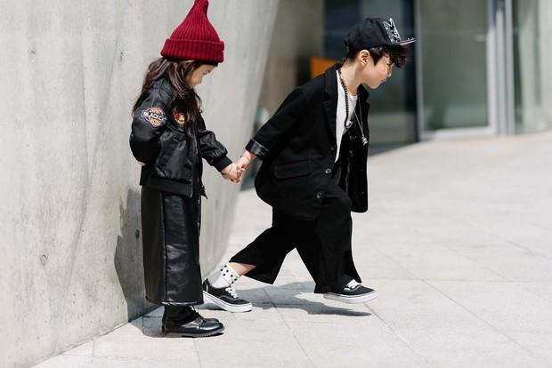 Mới qua 2 ngày Seoul Fashion Week, Kelbin đã lọt Top street style đẹp nhất của Vogue - Ảnh 13.