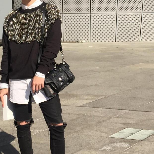 Mới qua 2 ngày Seoul Fashion Week, Kelbin đã lọt Top street style đẹp nhất của Vogue - Ảnh 8.