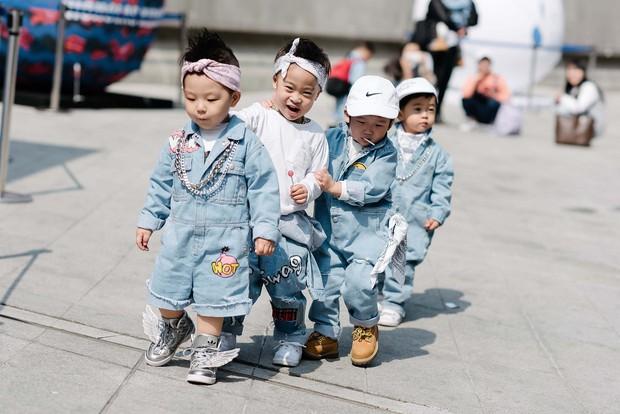 Mới qua 2 ngày Seoul Fashion Week, Kelbin đã lọt Top street style đẹp nhất của Vogue - Ảnh 18.