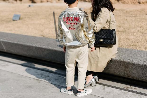 Mới qua 2 ngày Seoul Fashion Week, Kelbin đã lọt Top street style đẹp nhất của Vogue - Ảnh 11.