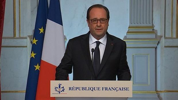 Tổng thống Pháp: Rất nhiều nạn nhân thiệt mạng trong vụ khủng bố là trẻ nhỏ - Ảnh 1.