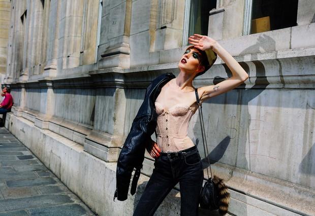 Câu hỏi khó: Các nhiếp ảnh gia chuyên chụp street style kiếm được bao nhiêu tiền? - Ảnh 5.