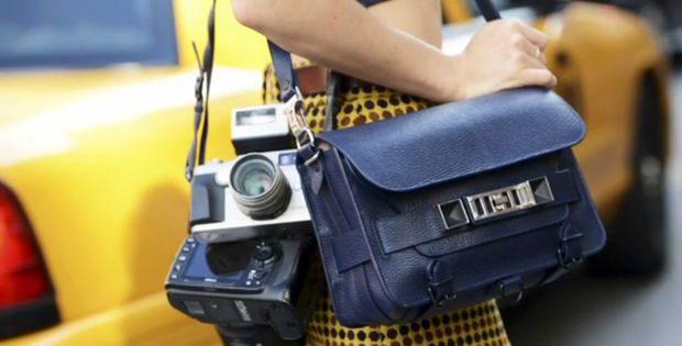 Câu hỏi khó: Các nhiếp ảnh gia chuyên chụp street style kiếm được bao nhiêu tiền? - Ảnh 3.