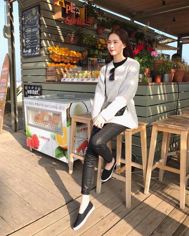 Cô trò Lan Khuê - Mai Ngô nổi nhất tuần qua với street style sành điệu trên đất Hàn - Ảnh 6.
