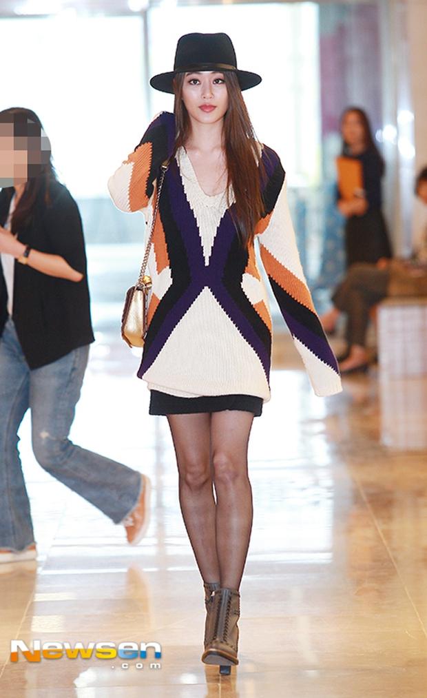 Mặt mộc cùng bắp tay vạm vỡ của Mai Ngô cũng không là gì so với street style kỳ quái của Miley Cyrus - Ảnh 14.