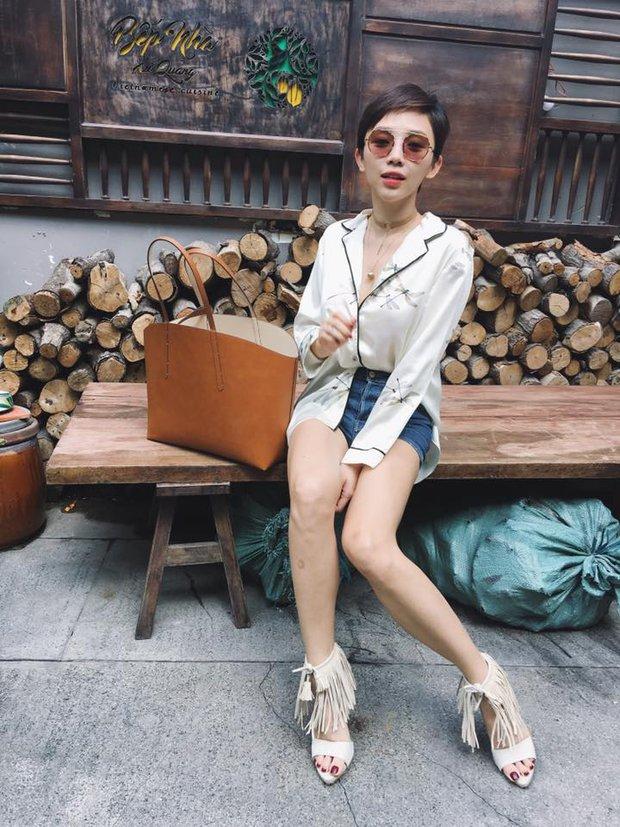 Angela Phương Trinh - Tóc Tiên: Xem quần shorts của ai ngắn hơn nào! - Ảnh 1.