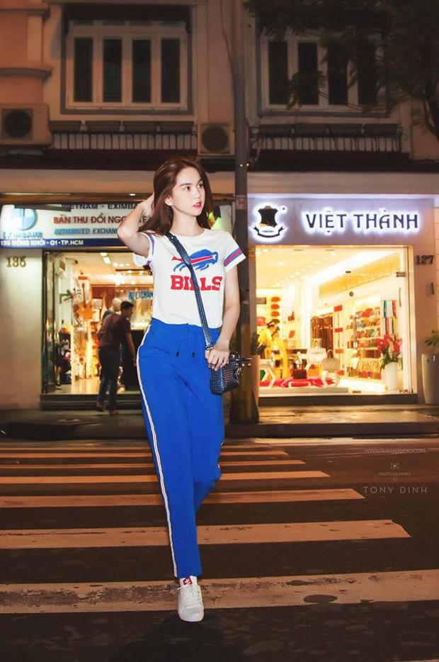 Angela Phương Trinh - Tóc Tiên: Xem quần shorts của ai ngắn hơn nào! - Ảnh 6.