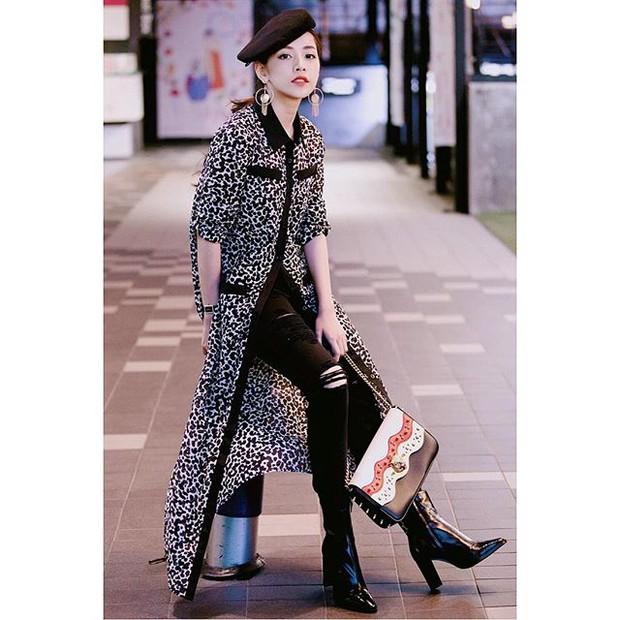Cô trò Lan Khuê - Mai Ngô nổi nhất tuần qua với street style sành điệu trên đất Hàn - Ảnh 13.