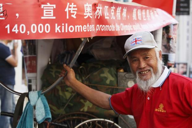 Gặp cụ ông nông dân 60 tuổi đạp xe từ Trung Quốc tới Olympic Rio 2016 - Ảnh 1.