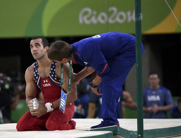 21 khoảnh khắc chạm đến cảm xúc của các vận động viên Olympic Rio 2016 - Ảnh 16.