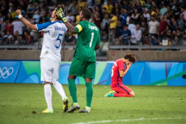 21 khoảnh khắc chạm đến cảm xúc của các vận động viên Olympic Rio 2016 - Ảnh 18.