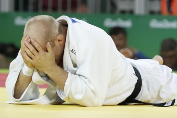 21 khoảnh khắc chạm đến cảm xúc của các vận động viên Olympic Rio 2016 - Ảnh 10.