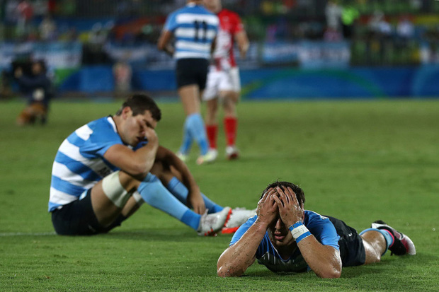 21 khoảnh khắc chạm đến cảm xúc của các vận động viên Olympic Rio 2016 - Ảnh 13.
