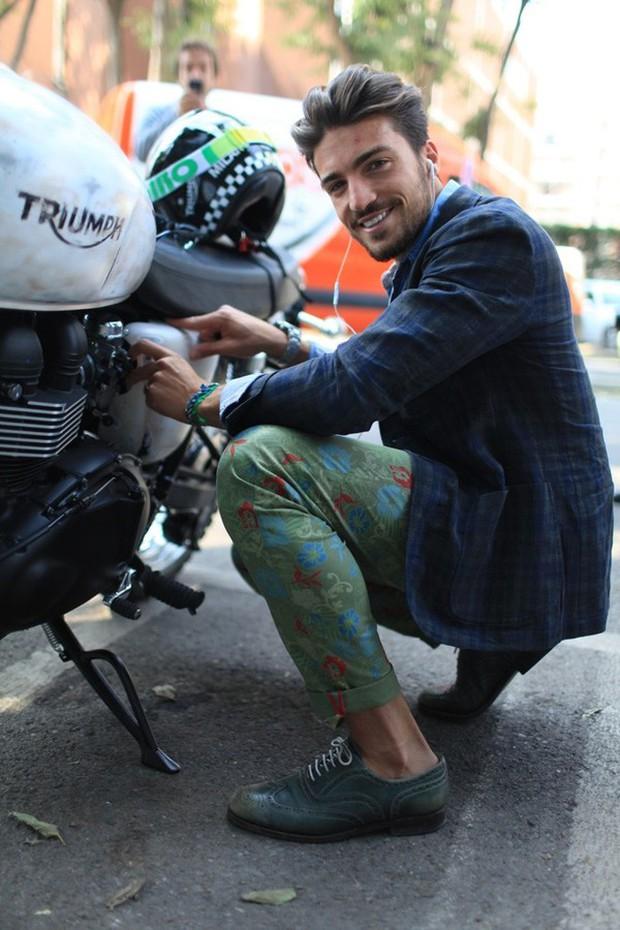 Mặc suit đi motor: Một phong cách vừa ngầu lại vừa lịch của các chàng - Ảnh 15.