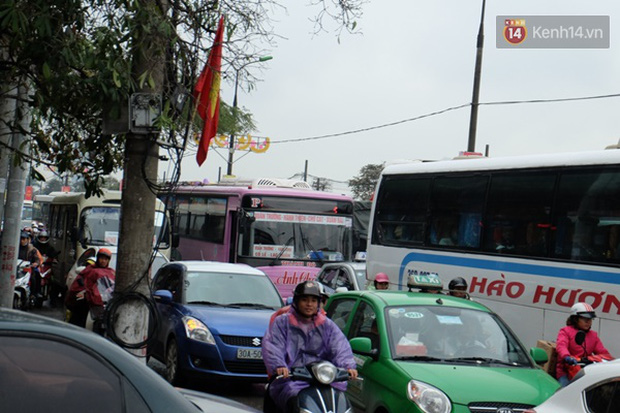 Ám ảnh tắc đường ở thủ đô những ngày giáp tết - Ảnh 9.
