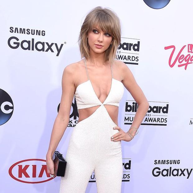 Ngực to xưa rồi! Phẫu thuật ngực nhỏ như Taylor Swift, Kendall Jenner mới thời thượng - Ảnh 1.