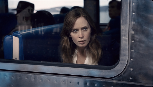 The Girl on The Train soán ngôi Mái Ấm Kì Lạ Của Cô Peregrine trên bảng xếp hạng doanh thu - Ảnh 2.