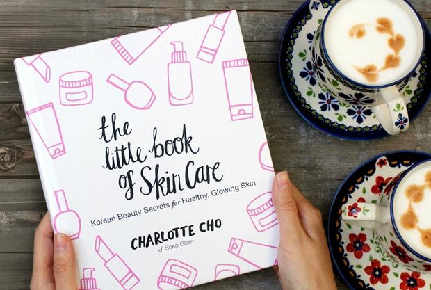 Xem beauty blogger Hàn Quốc hướng dẫn cách bôi kem và massage mặt để trẻ đẹp dài lâu - Ảnh 1.