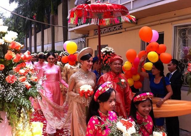 Đám cưới trên trời rơi xuống của những sao Việt này đều khiến fan ngã ngửa vì bất ngờ - Ảnh 7.