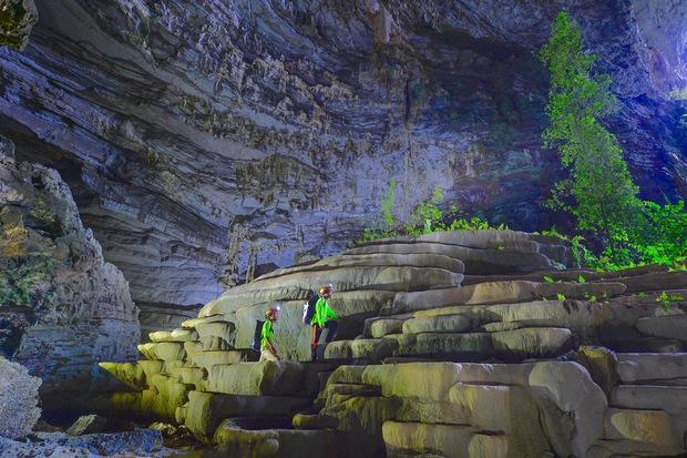 Không chỉ Sơn Đoòng, Quảng Bình còn có một hang động khác hoang sơ và đẹp đến ngạt thở! - Ảnh 13.