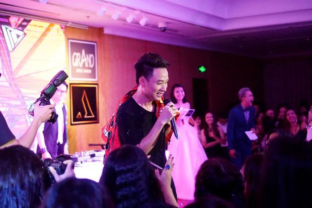 Teen THPT Lê Quý Đôn (TP.HCM) quẩy cực sung trong prom độc lập đầu tiên của trường - Ảnh 30.