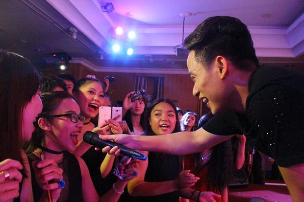 Teen THPT Lê Quý Đôn (TP.HCM) quẩy cực sung trong prom độc lập đầu tiên của trường - Ảnh 32.