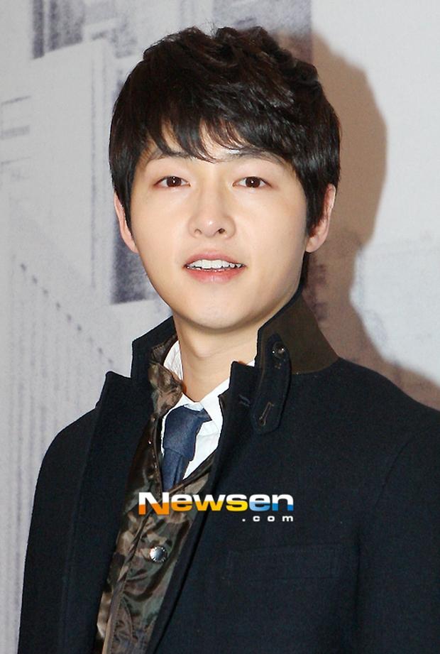 Mấu chốt phong cách giúp Song Joong Ki lột xác thành chàng quân nhân hớp hồn fan nữ - Ảnh 4.