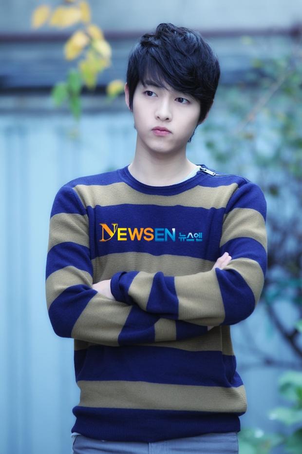 Mấu chốt phong cách giúp Song Joong Ki lột xác thành chàng quân nhân hớp hồn fan nữ - Ảnh 6.
