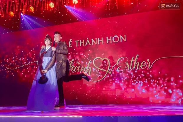 Trấn Thành chi 20 triệu cho đôi giày nữ 8 phân để độn chiều cao khi làm lễ thành hôn với Hari Won - Ảnh 1.