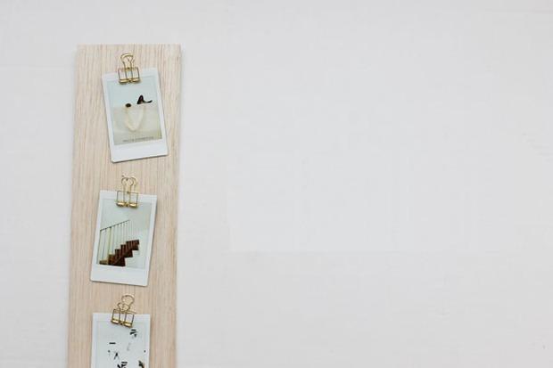 Làm khung ảnh treo tường đẹp và không thể dễ hơn chỉ với một tấm gỗ - Ảnh 8.