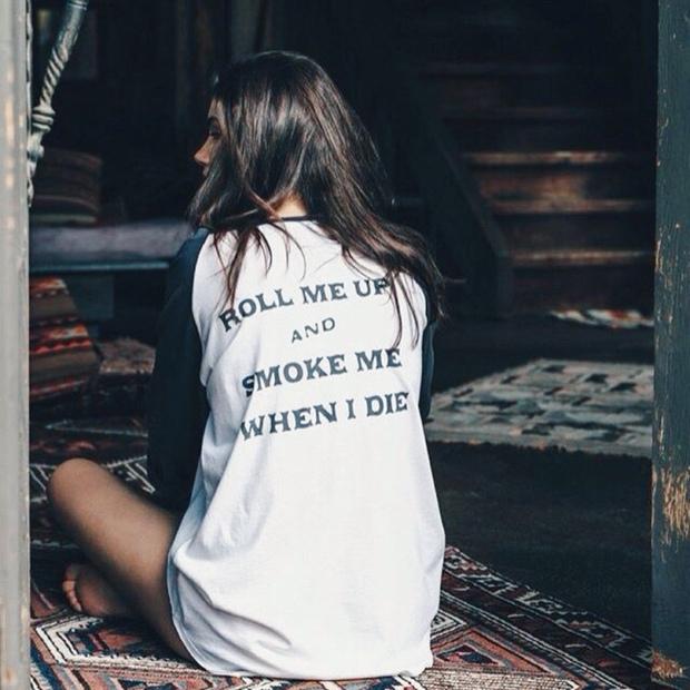 Cô đơn chẳng hề đáng sợ, chỉ có những kẻ sợ cô đơn mới lãng phí một đời bình yên - Ảnh 1.