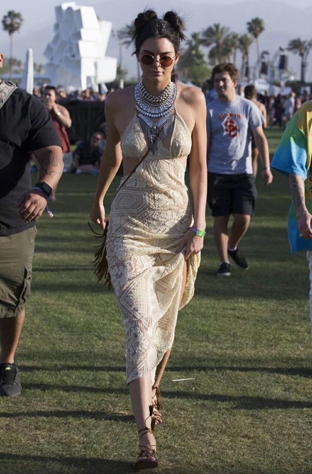 Taylor Swift, Kendall - Kylie Jenner cùng loạt sao trẻ đọ độ chất ở Coachella 2016 - Ảnh 3.