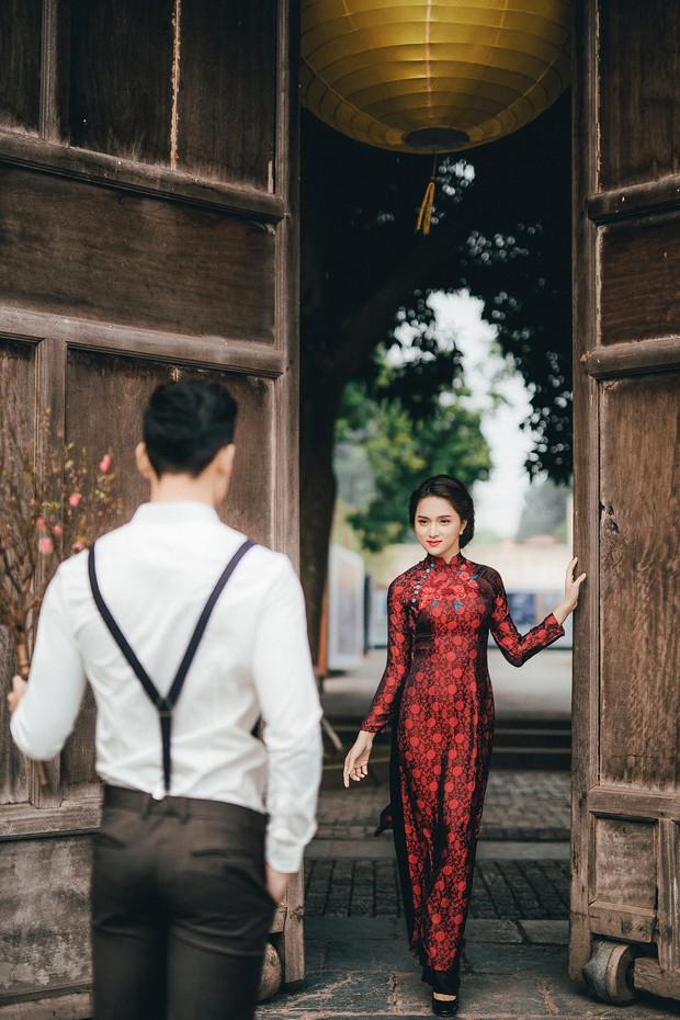 Hương Giang Idol diện áo dài, hóa phụ nữ Hà Nội xưa - Ảnh 1.