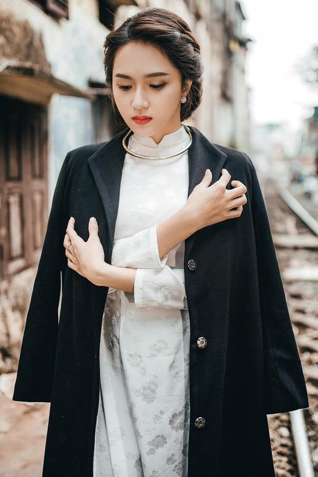Hương Giang Idol diện áo dài, hóa phụ nữ Hà Nội xưa - Ảnh 9.