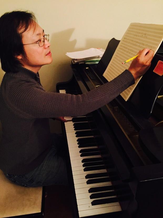 Nhạc sĩ Christopher Wong: Đã từng từ chối sản xuất nhạc phim Gái già lắm chiêu  - Ảnh 1.