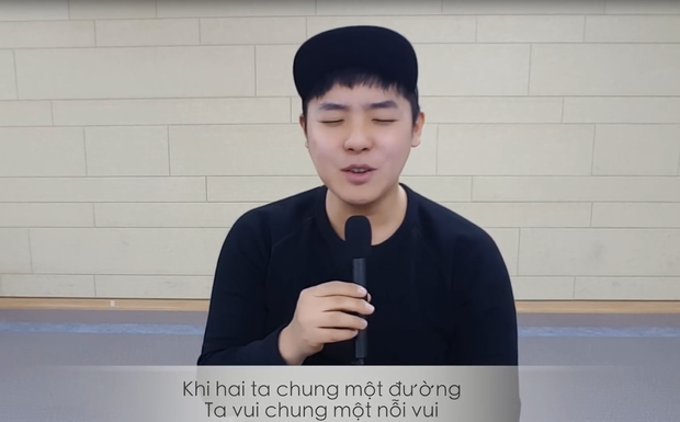 Clip: Chàng trai người Hàn Quốc hát Một nhà của Da Lab cực dễ thương - Ảnh 3.