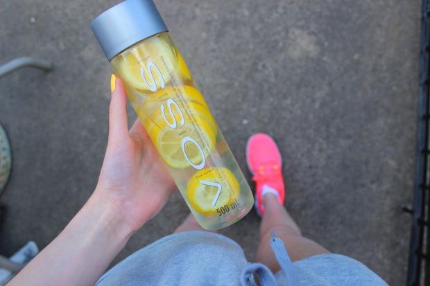 Điều kì diệu gì sẽ xảy ra khi bạn uống nước đều và đủ trong 30 ngày? - Ảnh 1.
