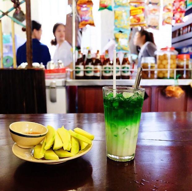 Trung Thu, đi ngay những quán cà phê retro ở Sài Gòn cho hợp không khí hoài cổ nào - Ảnh 11.