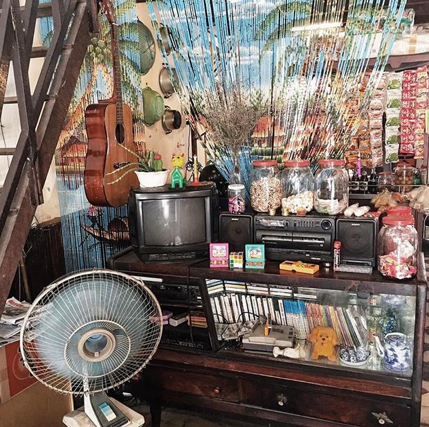 Trung Thu, đi ngay những quán cà phê retro ở Sài Gòn cho hợp không khí hoài cổ nào - Ảnh 9.