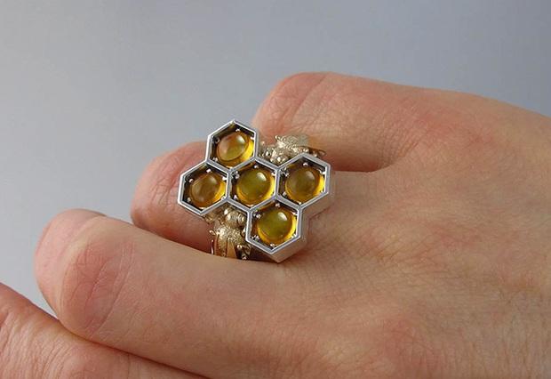Thu hút mọi ánh nhìn với bộ ba trang sức đá quý có một không hai - Ảnh 3.