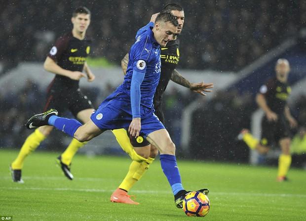 Chân sút ghi 24 bàn thắng mùa trước xuất sắc nhất vòng 15 giải Ngoại hạng Anh - Ảnh 2.
