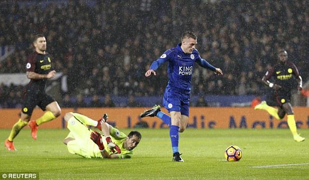 Chân sút ghi 24 bàn thắng mùa trước xuất sắc nhất vòng 15 giải Ngoại hạng Anh - Ảnh 3.