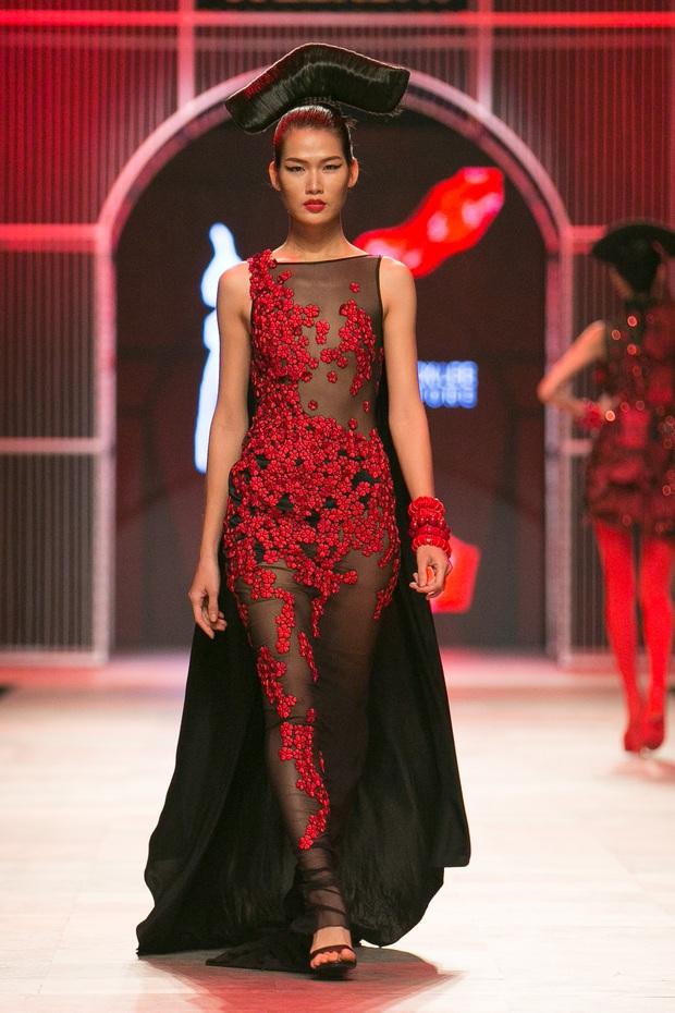 Hoa khôi Nam Em mở màn Tinh khôi - BST cuối cùng của Vietnam International Fashion Week - Ảnh 29.