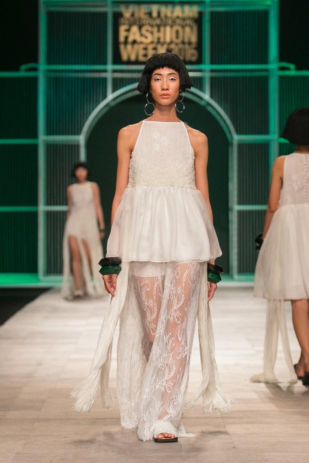Hoa khôi Nam Em mở màn Tinh khôi - BST cuối cùng của Vietnam International Fashion Week - Ảnh 42.
