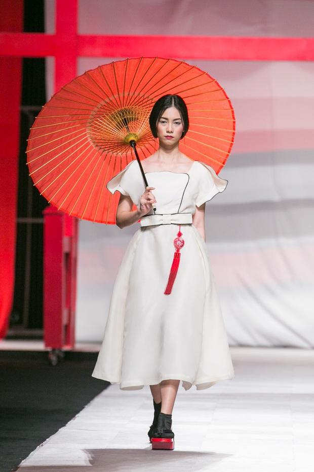 Hoa khôi Nam Em mở màn Tinh khôi - BST cuối cùng của Vietnam International Fashion Week - Ảnh 7.