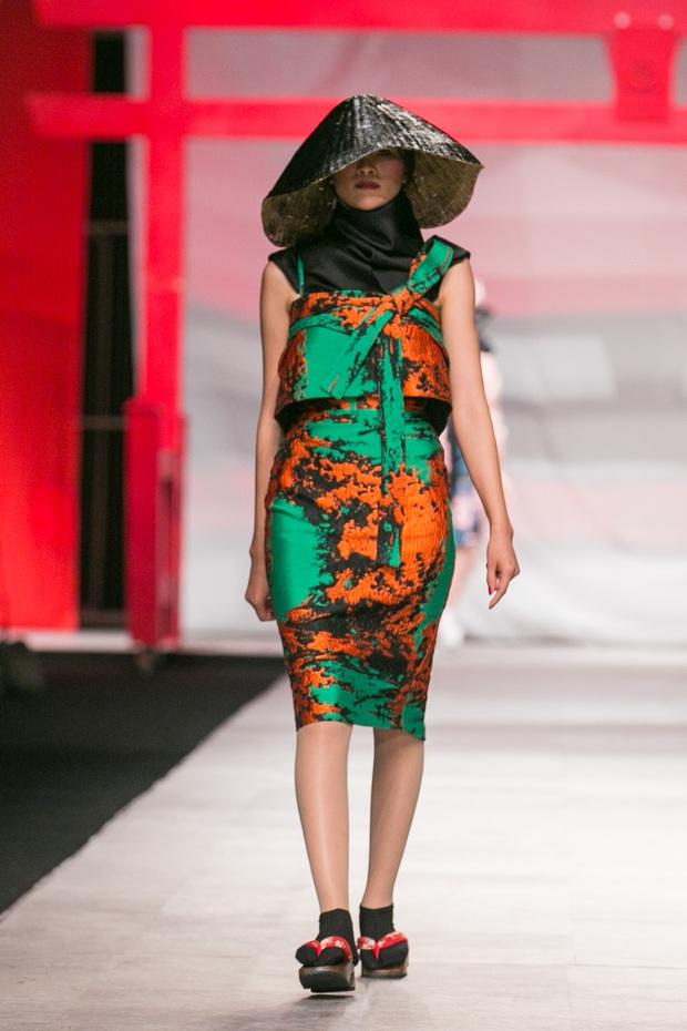 Hoa khôi Nam Em mở màn Tinh khôi - BST cuối cùng của Vietnam International Fashion Week - Ảnh 12.